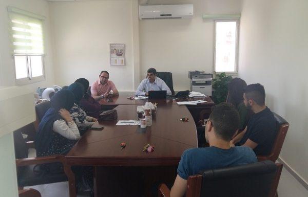 إدارة رابطة خرّيجي القاسمي تجتمع بممثلين من مجلس الطلاب بأكاديمية القاسمي وخرّيجي مدرسة القاسمي